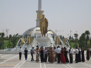 The Wedding at the Monument to Independance, Ashgabat