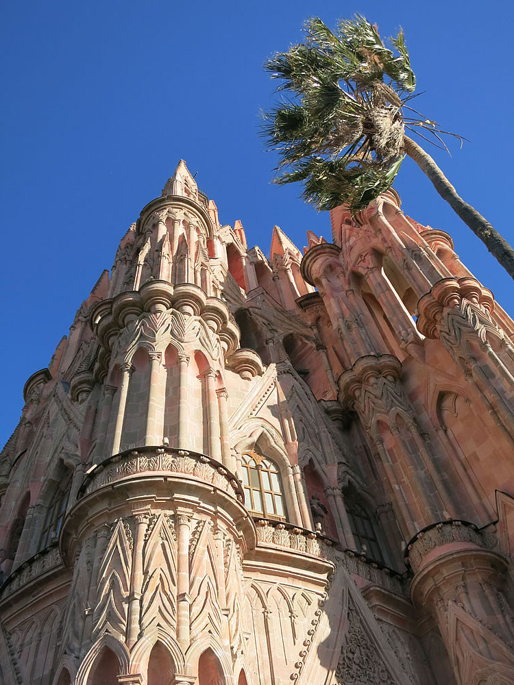 More ostentatious religious structures in San Miguel Allende