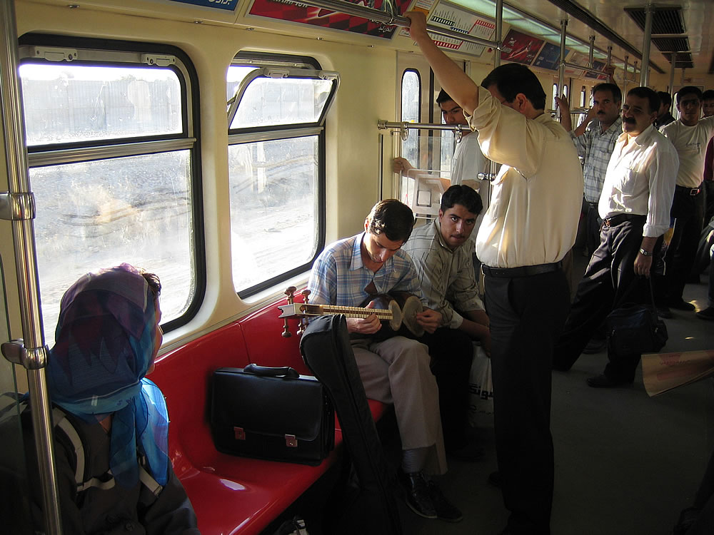 Subway entertainment, Tehran